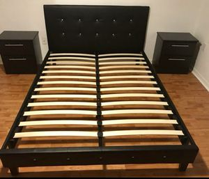 New black Queen platform bed frame with two nightstands. Delivery for Sale in Fort Lauderdale, FL