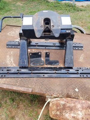Pro Series 16k fifth wheel hitch for Sale in Gordon, AL