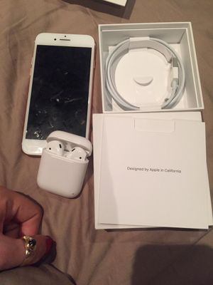 iPhone 7 unlocked with AirPods for Sale in Benicia, CA
