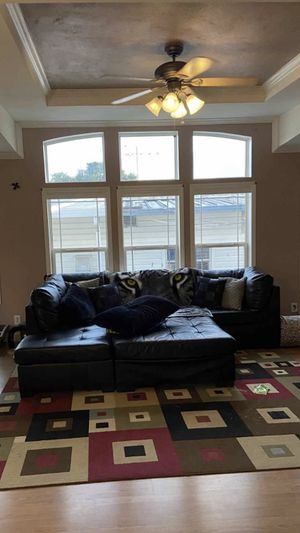 Black feaux leather sectional for Sale in Fort Lauderdale, FL