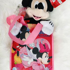 Brand New DISNEY MICKEY MOUSE VALENTINES GIFT SET(pick Up Only) for Sale in Alexandria, VA