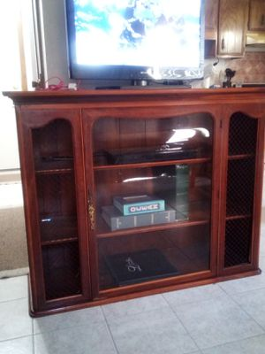 TV stand Hutch for Sale in Sioux Falls, SD
