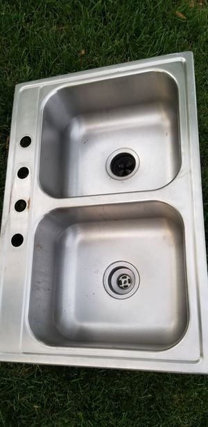 Stainless steel kitchen sink in good condition see pictures for dimensions for Sale in Schaumburg, IL