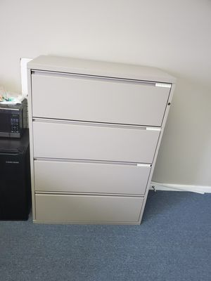 Large 4 drawer filing cabinet for Sale in Smyrna, GA
