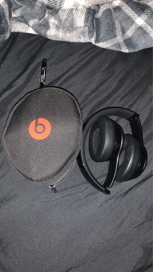 Beats solo 3 wireless for Sale in Coral Gables, FL