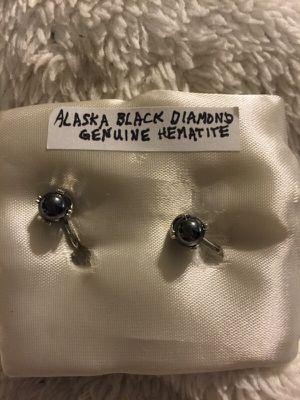 Alaskan black diamond genuine hematite screwback earings for Sale in Austin, TX
