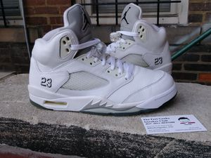 AIR JORDAN 5 RETRO WHITE METALLIC MENS SHOES SIZE 8 EXCELLENT USED CONDITION$100 for Sale in Cleveland, OH
