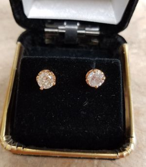 18K YELLOW GOLD PAIR OF EARRINGS WITH 0.50 CTW ROUND DIAMOND EACH for Sale in Canoga Park, CA
