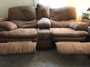 2 Free Couches for Sale in Vacaville, CA