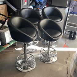 Cocktail Table Stools X 4 for Sale in Huntington Beach,  CA