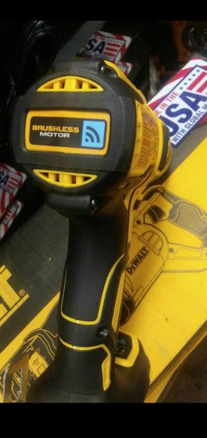 DEWALT 20V MAX LITHIUM ION CORDLESS COMPACT 1/2 IN HAMMER DRILL WITH TOOL CONNECT for Sale in San Bernardino, CA
