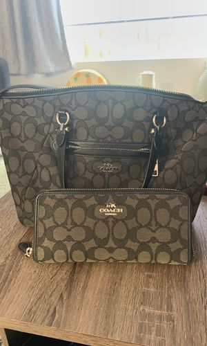 REAL coach bag and wallet for Sale in Portland, OR