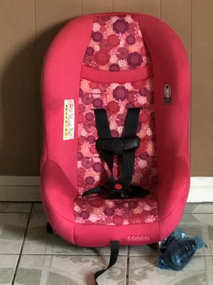 LIKE BRAND NEW CONVERTIBLE CAR SEAT for Sale in Riverside, CA