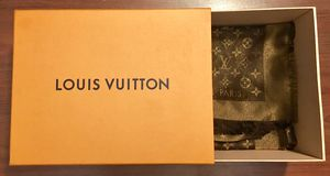 LOUIS VUITTON SCARF AND SHAWL for Sale in Los Angeles, CA