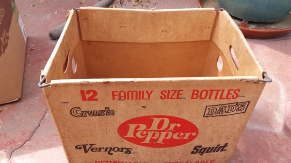 Vintage family size soda carrying case Dr Pepper Vernors Squirt Dads