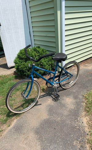 Murray cruiser bike just needs front wheel fixed will trade for a Men's mountain bike for Sale in Brockton, MA