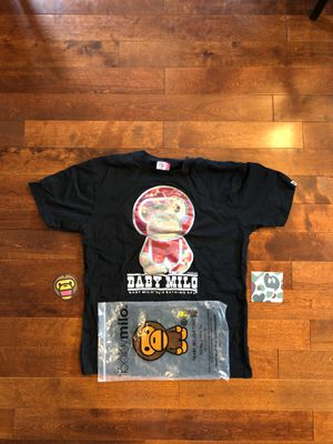 BAPE T-SHIRT HOLOGRAM BABY MILO SZ LARGE for Sale in Mukilteo, WA