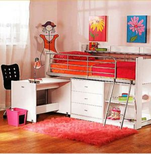 Ideal for smaller rooms, this loft bed provides a versatile place for work, play and sleep. for Sale in Compton, CA