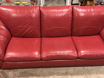 Nice Red Leather Couch for Sale in Littleton,  CO