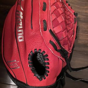Softball Glove for Sale in Stony Point, NC