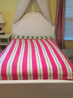 Rooms2Go Bedroom Set for Sale in Tuscaloosa, AL