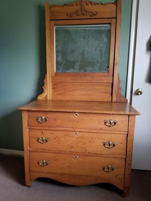 Antique dresser for Sale in Galloway, OH