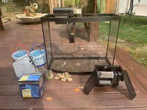38 Gallon Marineland Bowfront Aquarium for Sale in PA, US