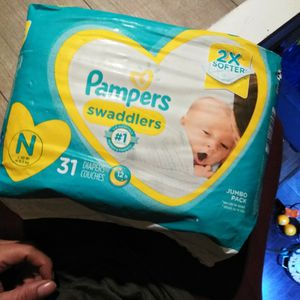 Pampers Swaddles Newborn Size 31 Pack for Sale in Compton, CA