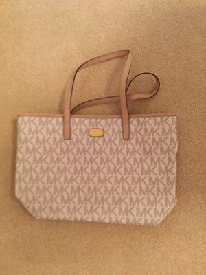 Brand new Michael Kors vanilla handbag for Sale in Herndon, VA