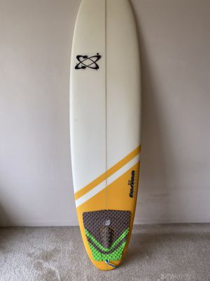 "Surfboard fusion intermediate 6'8"" like new for Sale in San Francisco, CA"