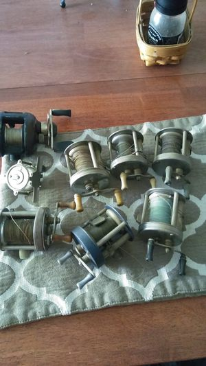 Old fishing reels for Sale in Chicago, IL