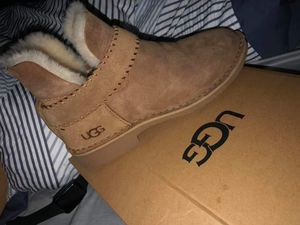 Ugg Mccay boot size 8 brandnew never worn for Sale in Norwich, CT