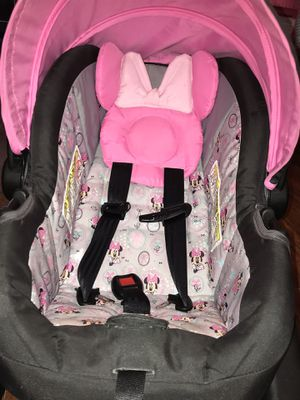Baby car seat with bottom car piece for Sale in Stockton, CA
