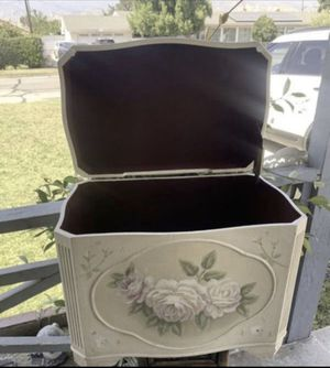 Vintage box to store items $20 for Sale in San Bernardino, CA