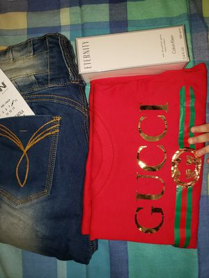 Set Para Dama perfume original Jeans colombianos y blusa manga larga $165 for Sale in Silver Spring, MD