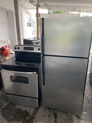 Refrigirator abd stove for Sale in Coconut Creek, FL