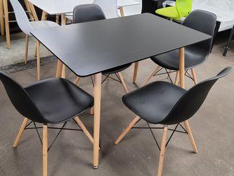 Black Dining Table W/ 4 Chairs. $169 for Sale in San Bernardino,  CA