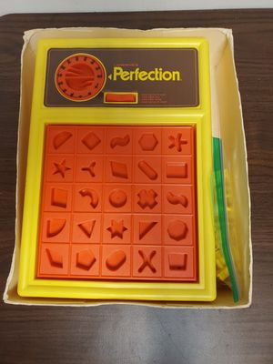 1977 Vintage Lakeside Perfection Game Puzzle for Sale in W CNSHOHOCKEN, PA