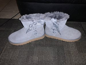 Brand new uggs for Sale in Modesto, CA