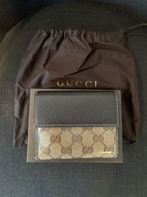 Authentic Gucci crystal wallet for Sale in Northbrook, IL