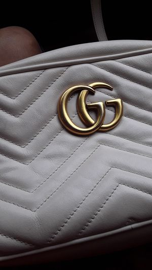 Gucci cross bag cream for Sale in Dallas, TX