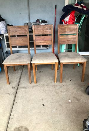 3 chairs for Sale in Spring Valley, CA