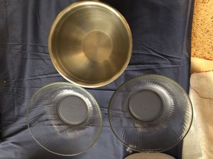 2 pyrex glass bowls, stainless steel bowl for Sale in Walnut Creek, CA
