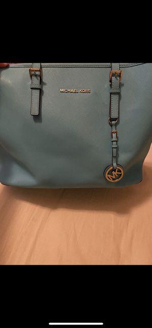 Michael kors tote bag for Sale in San Antonio, TX