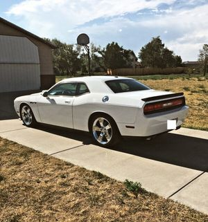 🎃 I sell URGENT my car 2009 Dodge Challenger Sport Runs and drives great! Clean title.🦇 for Sale in San Francisco, CA