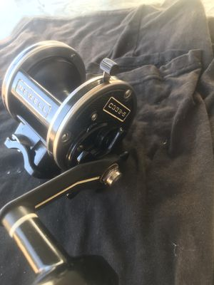 Newell C 332-5. Fishing reel for Sale in Moreno Valley, CA