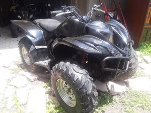 06 Yamaha Wolverine 450 4 x 4 good condition missing the gas tank needs a throttle cable battery only 2700 or best offer for Sale in Houston, TX