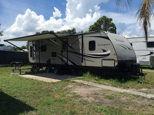 """2017 KEYSTONE PASSPORT TRAVEL TRAILER CAMPER 32 ft for Sale in Pinellas Park, FL"
