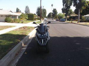 2015 piaggio mp3 250cc for Sale in Los Angeles, CA