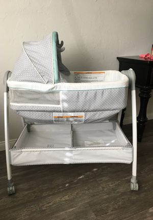 Graco Baby Bassinet & Changing Table for Sale in Anaheim, CA
